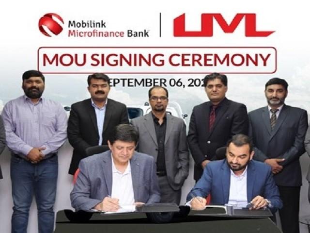 Mobilink Bank, Universal Motors sign financing deal